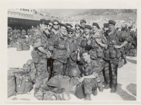 23- 2eme Section. Debout à droite Sgt chef Bert à sa droite Slt Cordonnier